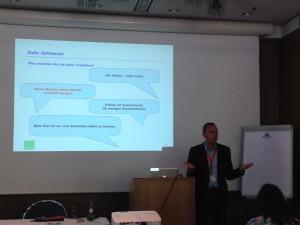 Daniel Recktenwald beim Vortrag